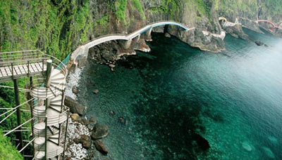 """Uleung Island, nicknamed """"Mysterious Island"""", is a popular weekend getaway spot for Seoulites. Curious rock formations, shore cliffs and numerous waterfalls adorn the island's Seaside Road. (Source: CNN)"""